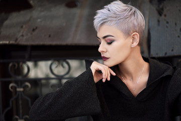 Mohawk Hairstyle For Both Men And Women